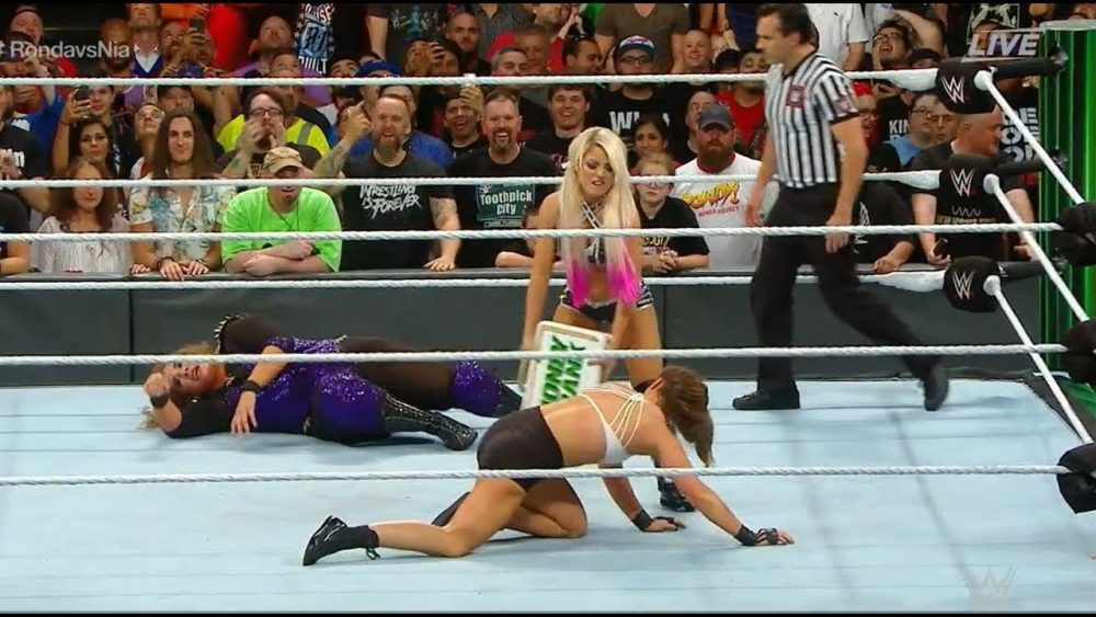 Photo of Nia Jax vs Ronda Rousey At WWE Money in the Bank 2018